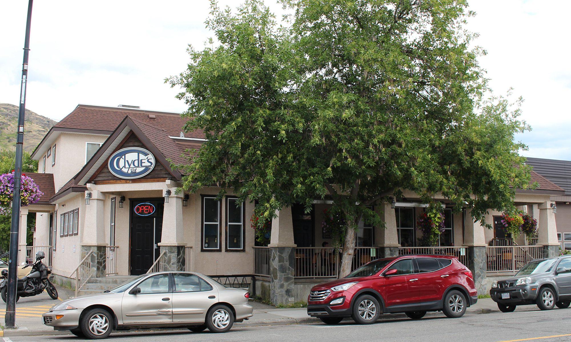 Clydes Pub Grand Forks BC